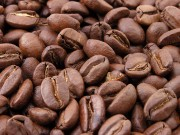 800px-Roasted_coffee_beans[1]