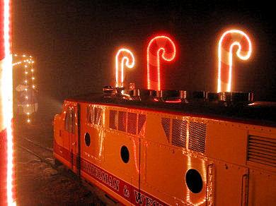holidaylightstrain2