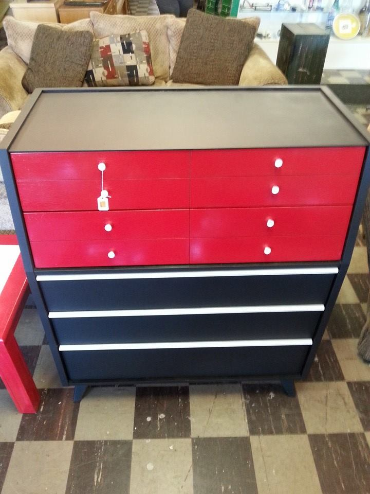 5 Drawer Huntley Furniture Chest Of Drawers. $69.99