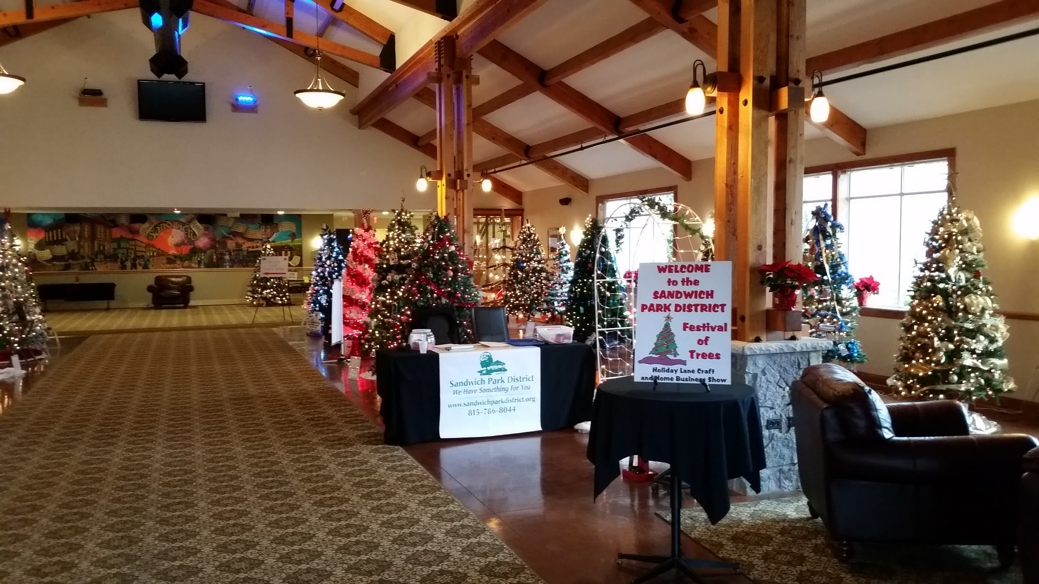 Holiday lane craft show and festival of trees this weekend for Christmas craft shows in delaware