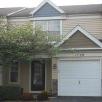 Updated Elgin Townhome 3 Bedroom, 1½ Bath in College Green