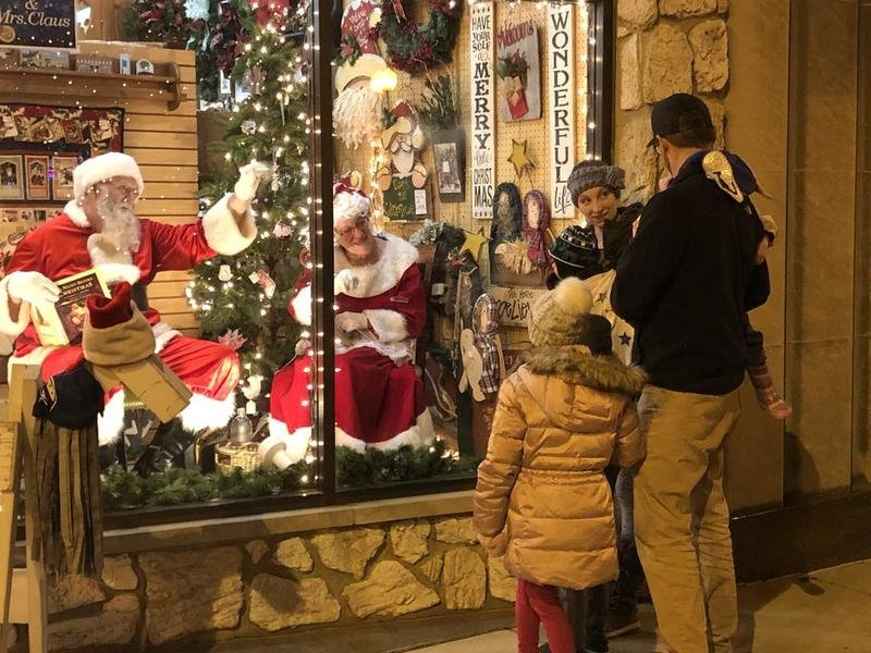Holiday window displays 'come alive' during Moonlight Magic