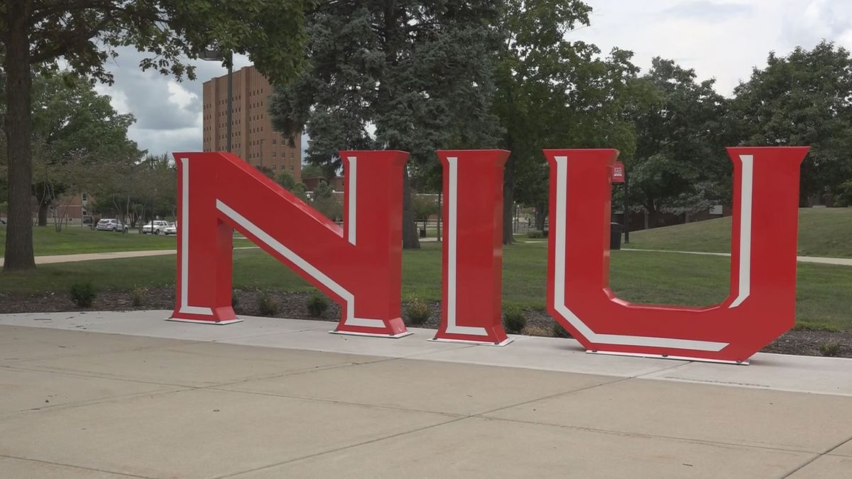NIU transitioning remaining in-person classes to online through semester end